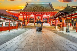 Sensoji-Temple-in-Tokyo,-Also-known-as-Asakusa-Kannon-Do_nextdestination_tropicallife