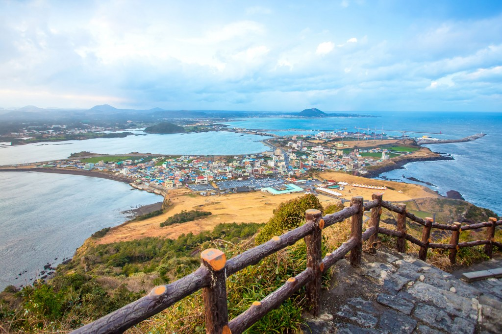 Jeju-do-beach-Island_tropicallife