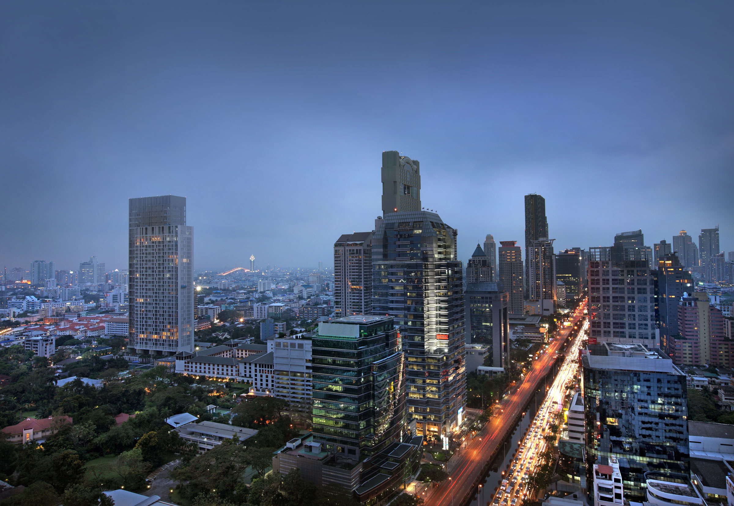 SO-Sofitel-Bangkok---Sathorn-Night-View-nextstay