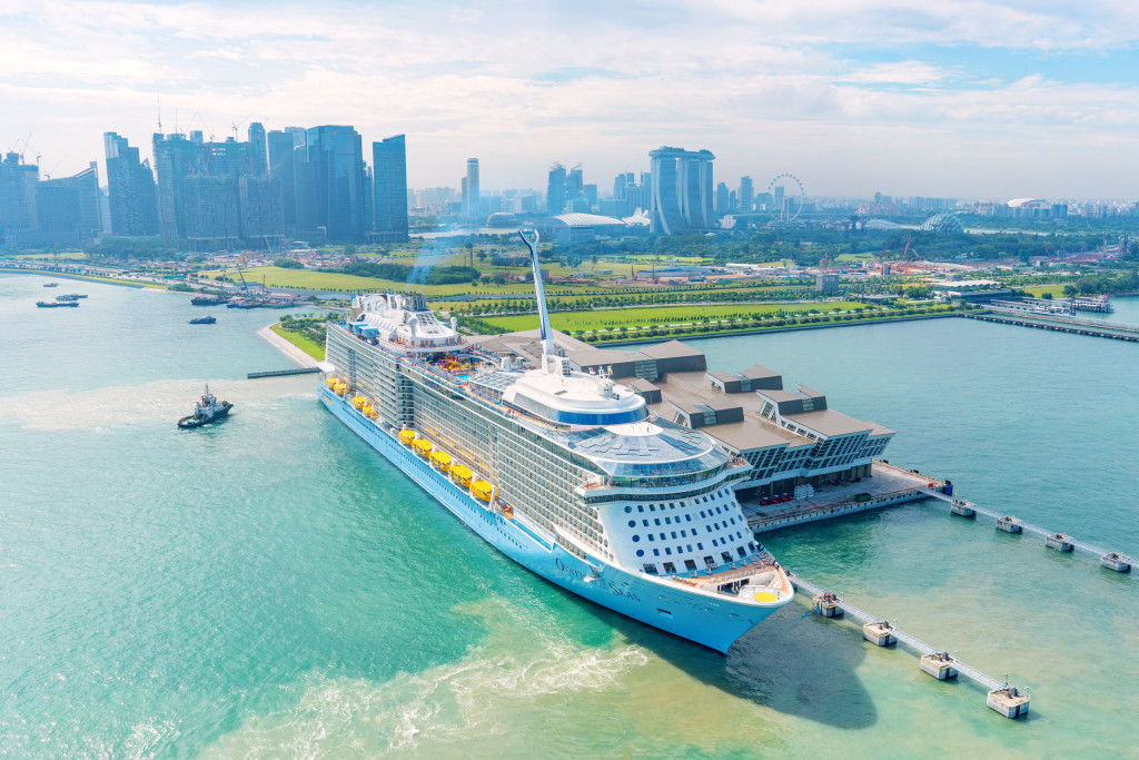 Ovation-of-the-Seas-at-Marina-Bay-Cruise-Centre-Singapore_tropicallife